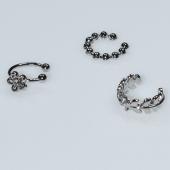 Σκουλαρίκια (σετ τρία μαζί) φο μπιζού ορείχαλκος ear cuffs χωρίς τρύπα που γαντζώνουν στο αυτί λουλούδι με λευκούς κρυστάλλους σε ασημί χρώμα BZ-ER-00597 Εικόνα 2