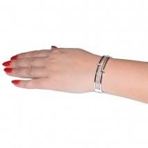 Βραχιόλι ατσάλινο (stainless steel) με κρυστάλλους σε ασημί χρώμα BZ-BR-00328 εικόνα 3 φορεμένο