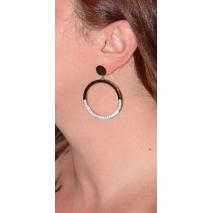 Σκουλαρίκια ατσάλινα (stainless steel) κρίκοι με κρυστάλλους σε ροζ χρυσό χρώμα BZ-ER-00345 φορεμένο στο αυτί