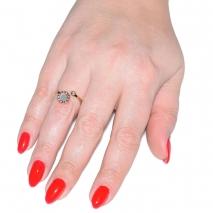 Δαχτυλίδι ατσάλινο (stainless steel) σε ροζ χρυσό χρώμα με mother of pearl BZ-RG-00281 εικόνα 2 φορεμένο