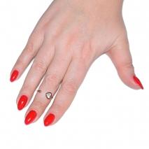 Δαχτυλίδι ατσάλινο (stainless steel) καρδιά σε ροζ χρυσό χρώμα με mother of pearl BZ-RG-00284 εικόνα 2 φορεμένο