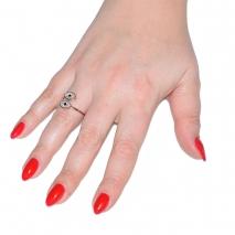 Δαχτυλίδι ατσάλινο (stainless steel) ματάκι σε ροζ χρυσό χρώμα με mother of pearl BZ-RG-00290 εικόνα 2 φορεμένο