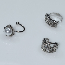 Earrings ear cuffs (set three together) faux bijoux brass that don't need hole and grapple the ear with pearls and white crystals in silver color BZ-ER-00595 Image 2