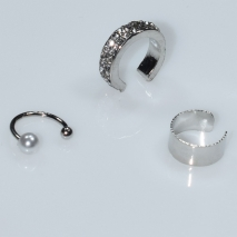 Earrings ear cuffs (set three together) faux bijoux brass that don't need hole and grapple the ear with pearls and white crystals in silver color BZ-ER-00599 Image 2