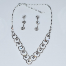 Necklace faux bijoux statement set with earrings in silver color with white crystals BZ-NK-00382 Image 3