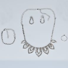 Necklace faux bijoux statement set with earrings, bracelet, ring in silver color with white crystals BZ-NK-00383 Image 4