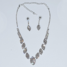 Necklace faux bijoux statement set with earrings in silver color with white crystals BZ-NK-00385 Image 3