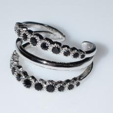 Δαχτυλίδι φο μπιζού ορείχαλκος με μαύρους κρυστάλλους σε ασημί χρώμα BZ-RG-00444 Εικόνα 2